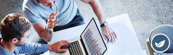 Contador do futuro: reunião em escritório de contabilidade